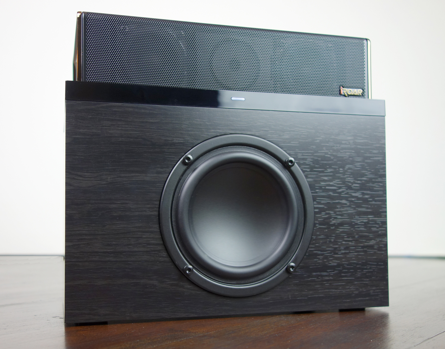 Creative iRoar Rock Docking Subwoofer with iRoar