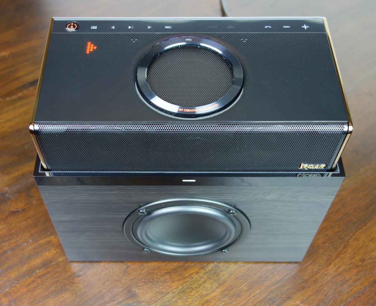 Creative iRoar Rock Docking Subwoofer playing